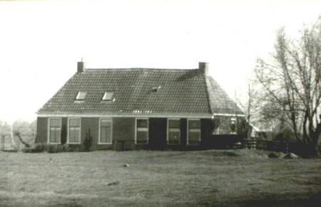 NR135
