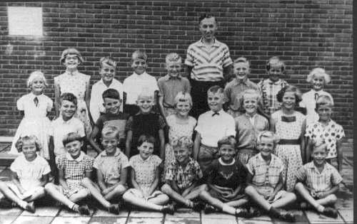Nr861 CVO schoolklas 1,2,3 1958 Meester Griepsma