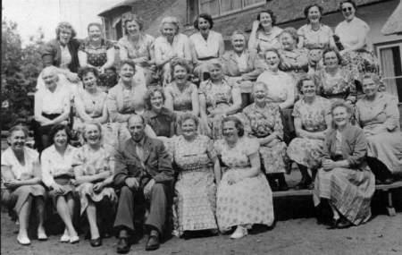 NR933 Vrouwen Vereniging Tjerkwerd-Dedgum