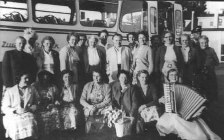 NR943 Vrouwen Vereniging Tjerkwerd-Dedgum