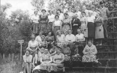 NR946 Vrouwen Vereniging Tjerkwerd-Dedgum