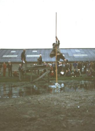 Fierljeppe b 1981