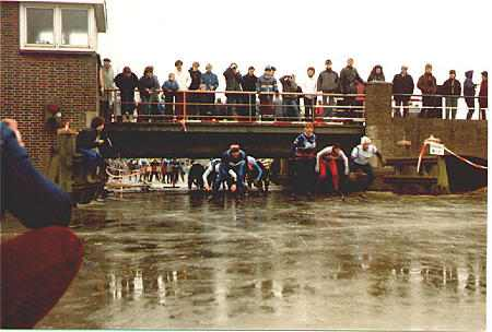 1985NR02