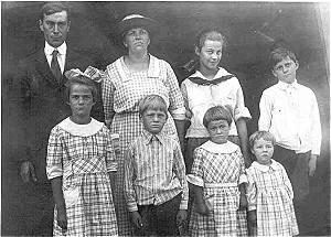 Clarence Ernest, Aukje(Agnes), Milda, Roy, Clara, Walter, Blanche, Edith
