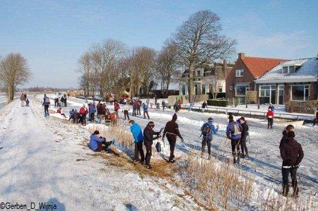 2. De iiswille hold de hiele dei oan. Foto: Gerben D. Wijnja, sneon 11 febrewaris 2012